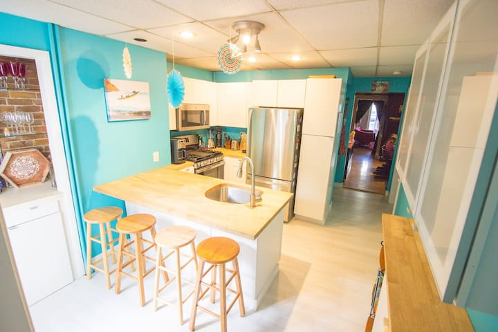 Family Home + Super Clean + One Stop to Downtown!