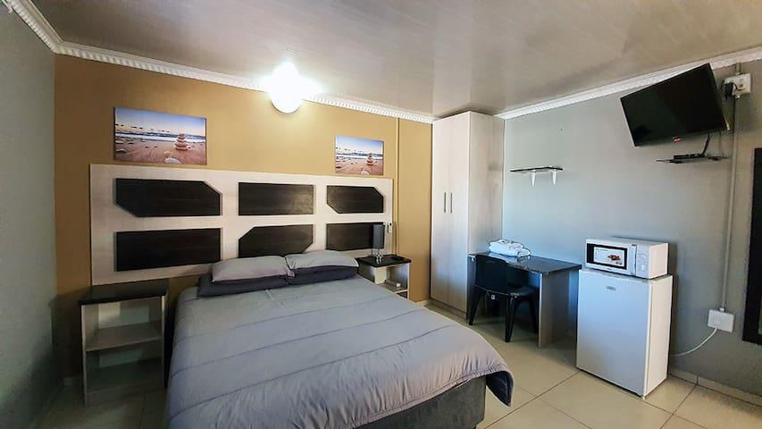 Genesis 2 Catering Apartments