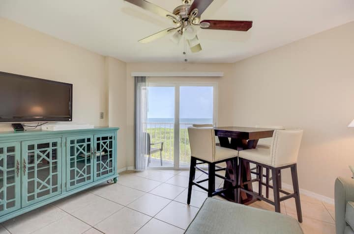 Key Largo Oceanfront Penthouse 2 Condo - sleeps 6