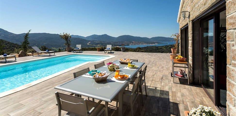 Villa avec piscine vue sur Propriano
