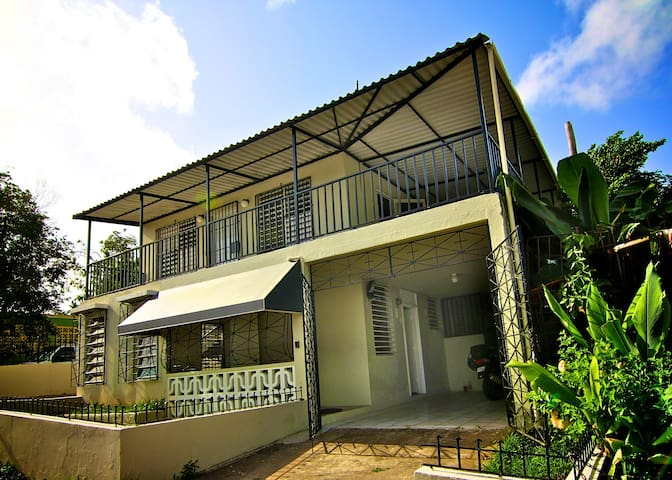 2 bedroom 1 Bath with Large Balcony bayamon Puerto - Bayamón - Leilighet