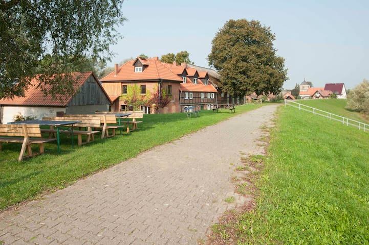 Elbehof,   Elbeblick 1