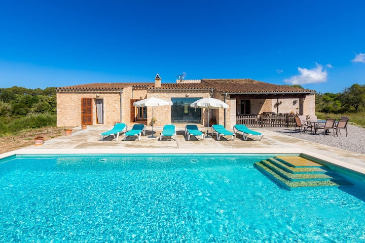 Dreamlike Country Home with Pool, Terrace, Garden & Wi-Fi; Parking Available