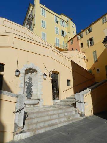 Appartement dans vieille ville. - Menton - Apartemen