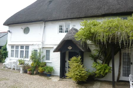 Little Thatch cottage at Burgate Farmhouse - Fordingbridge - Casa