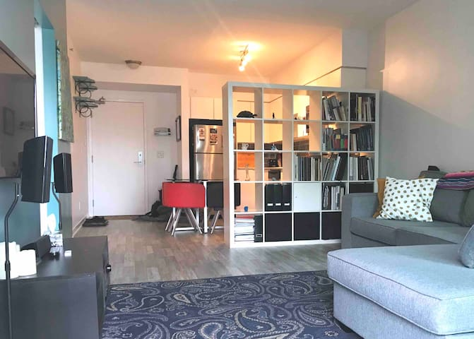 Large 1-Bedroom Condo w/ Full Kitchen in Liberty