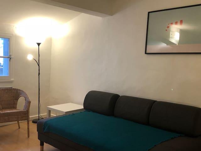 Studio, ecusson, atypique avec son pigeonnier