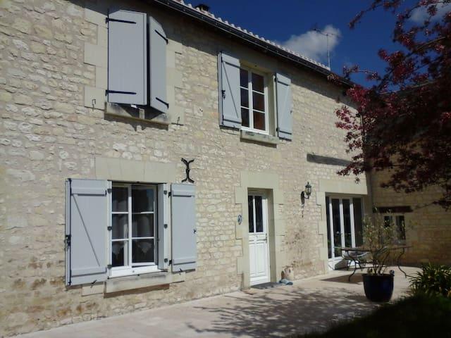 LACELLEDORT DORTENCELLE - La Celle-Saint-Avant - Casa
