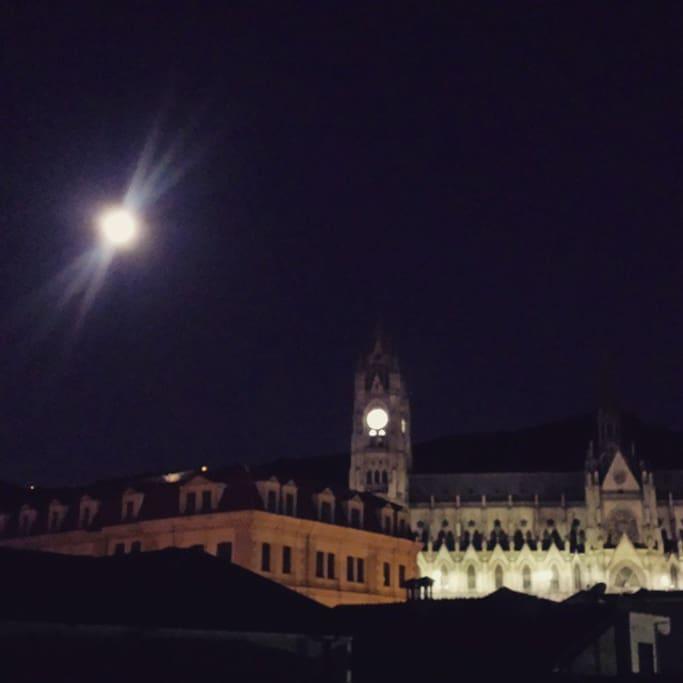 Antes de dormir mira nuestra iglesia estilo gótico