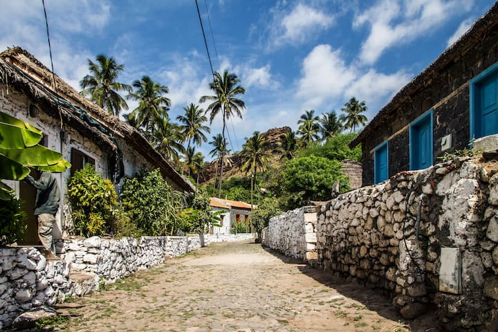 Casa Rua da Banana (Banana Street Cottage) - Cidade Vehla - Casa