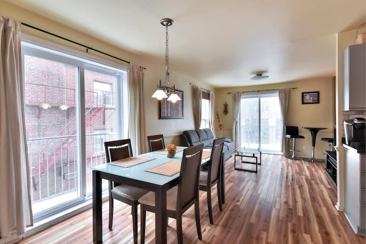 Wonderful 2bdrs Condo in French Downtown