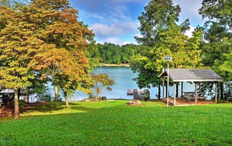 4BR Hayesville House w/Serene Lake Views! - Hayesville