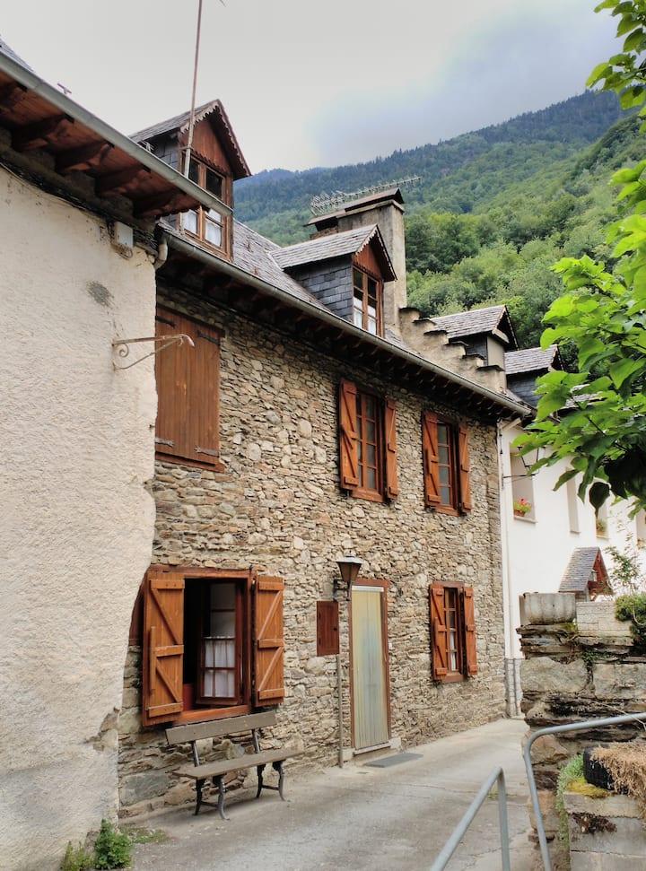 Casa aranesa  en Les, Vall d'Aran.