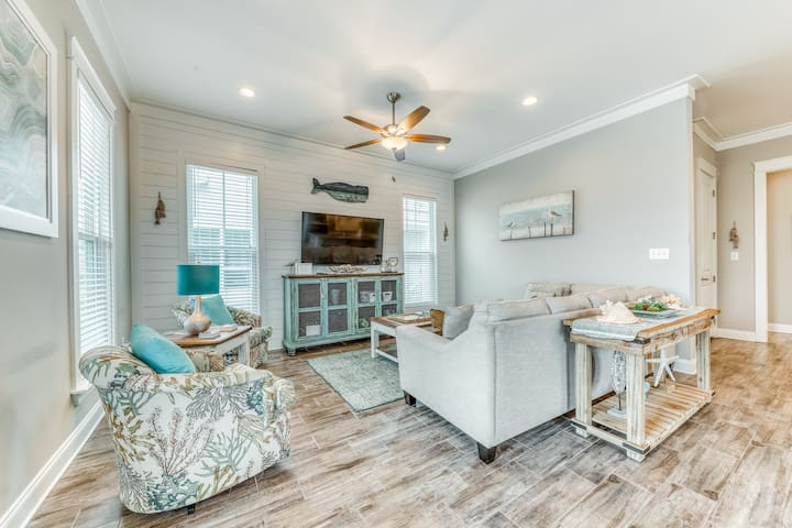 Vacation home by the beach w/ a fenced yard in a charming master-planned village