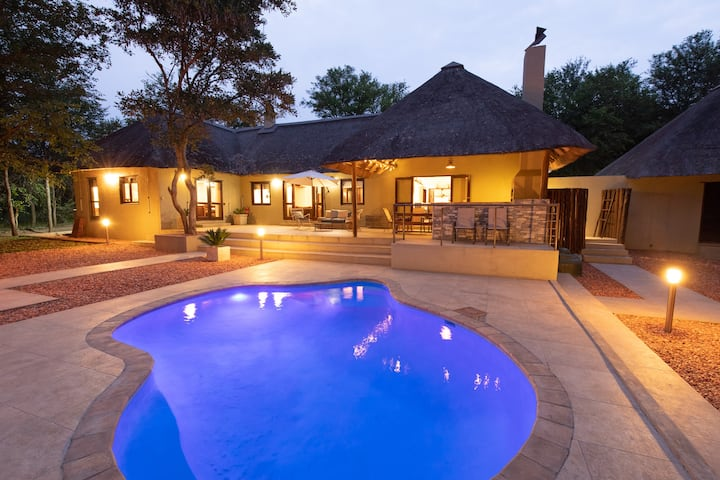 Kingly Bush Villa at Kruger NP - Contact Free