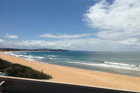 Bright and sunny beachside unit - Collaroy - Apartment