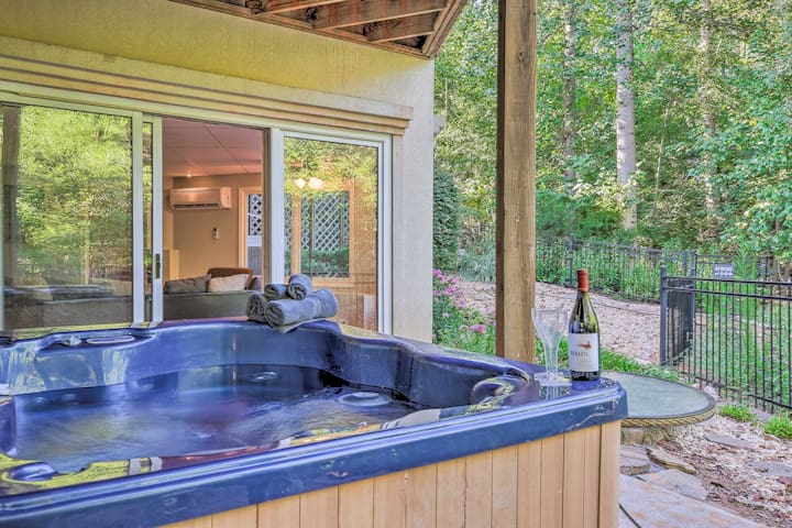 Gainesville Home w/ Boat Dock on Lake Lanier!