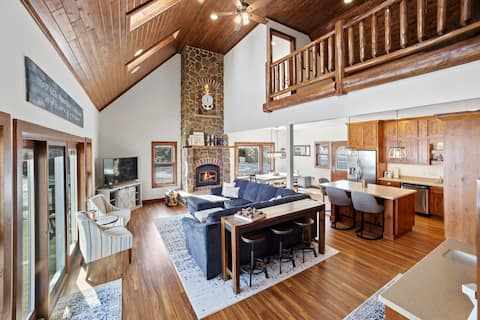 LAKE HOME with All Modern Amenities
