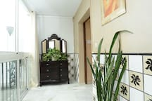 Entrance of the apartment/entrada del apartamento