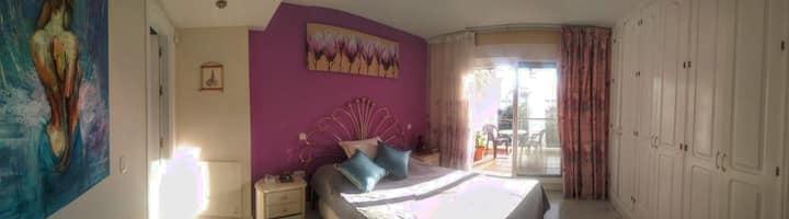 Large Ensuite Bedroom with Terrace in Puerto Banús