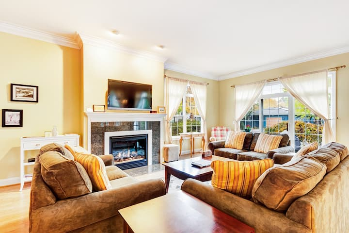 Spacious, two-story condo w/ fireplace! Walking distance to the river!