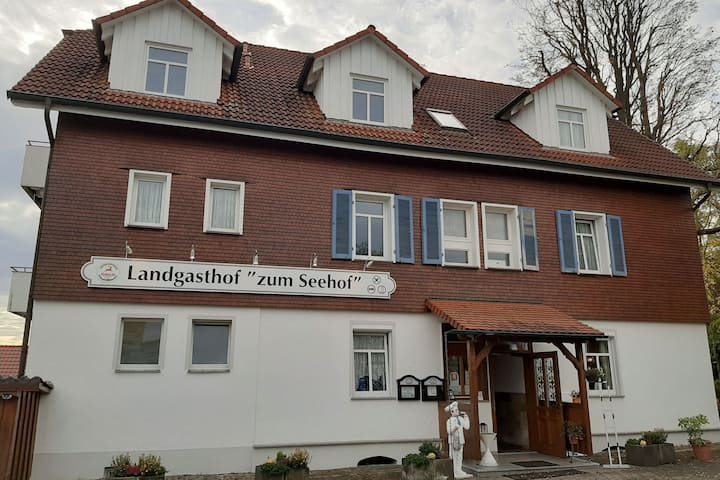 Serene Apartment in Rottweil near World of Crystals Museum