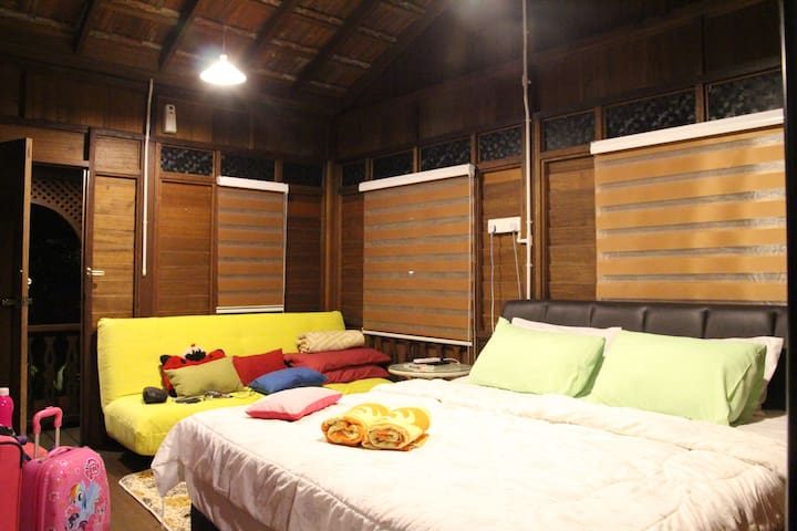 Room 4 (1 Queen + 1 Sofa Bed) - Stand Alone Malay Villa