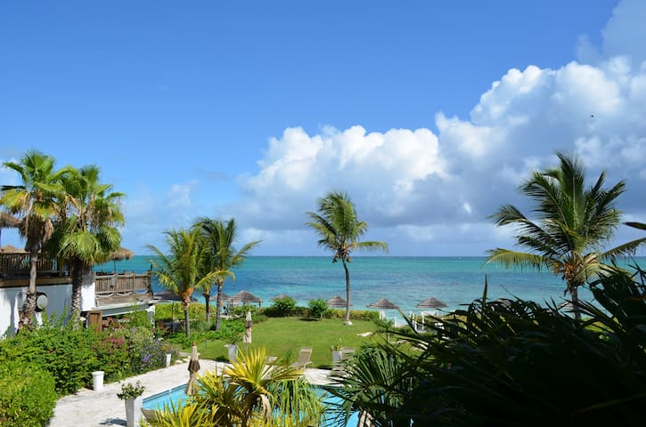 Coral Gardens On Grace Bay Condominiums For Rent In The Bight Settlement Caicos Islands