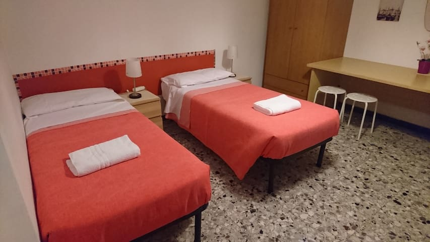 Bed in FEMALE ONLY Dormitory Pisa Tower
