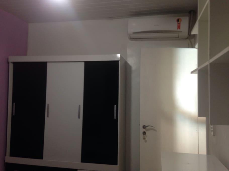 Armário de ar condicionado do quarto