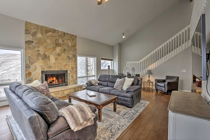NEW! Upscale Townhome Between Beaver Creek & Vail!