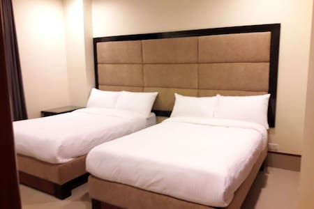 C208 One BR suite with a nice view - morong