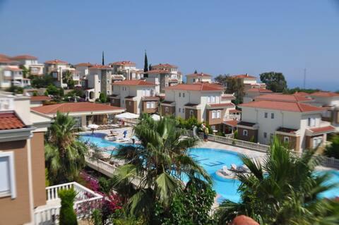 3+1  Villa Orman ve Doğa ile huzur dolu tatil köyü