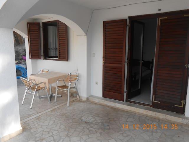 Апартаменты на вилле Zoran - Sveti Stefan - 別荘