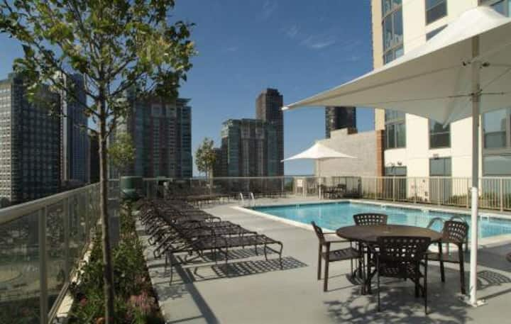 Best Location Millennium Park Extended Stay POOL