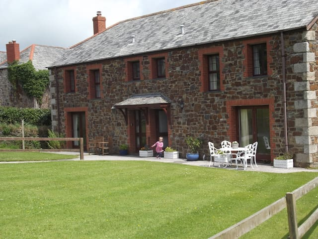 A comfortable holiday cottage. - Saint Minver - House