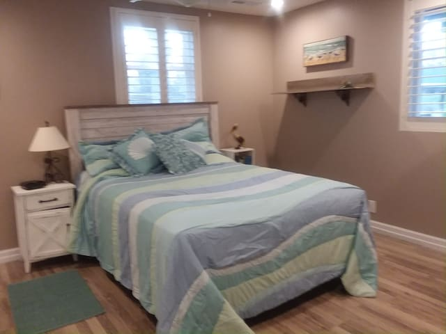 Bedroom for guest use. Queen size air mattress available for additional guests