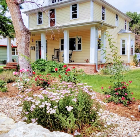 Spacious  Farmhouse in Historic Old Town Lafayette - Lafayette - Ev