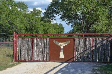 Media Luna Ranch - Guesthouse