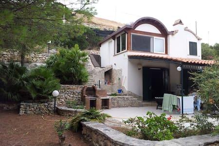 Villa a pochi passi dal mare.. baia di manaccora - Peschici - Haus
