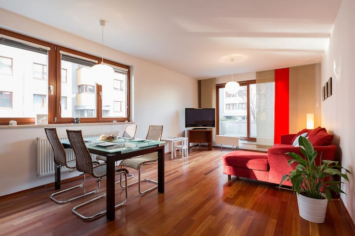 4 STARS LUXURY&Modern with PRIVATE terrace - Prag - Daire