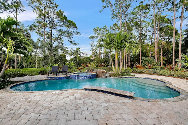 LAKE720, Single Family Home at Naples, with Tropical Nature View - North Naples - Outros