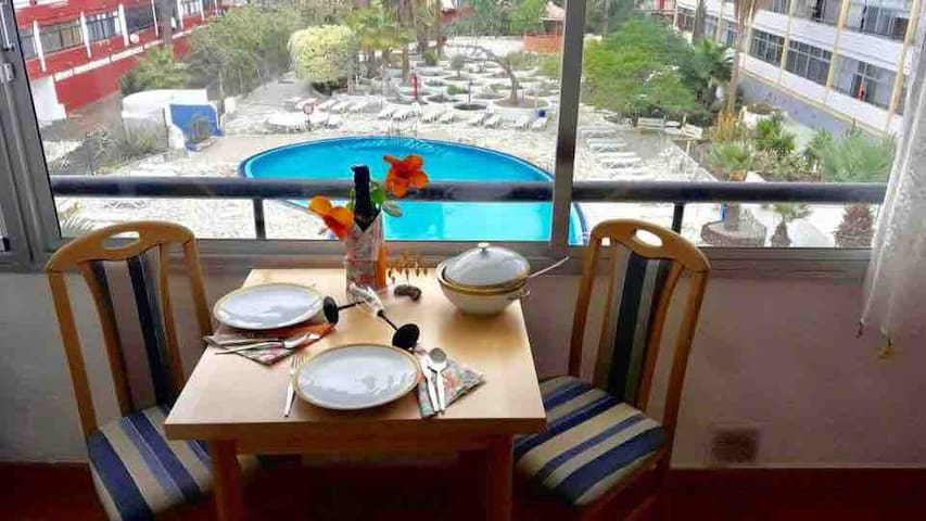 Saltwater pool apartment, Tenerife South