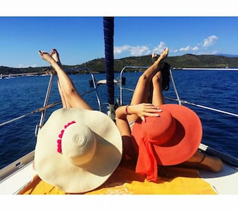 Sailing in Greece, Ionian sea boarding on Lefkada - Volos - Barco