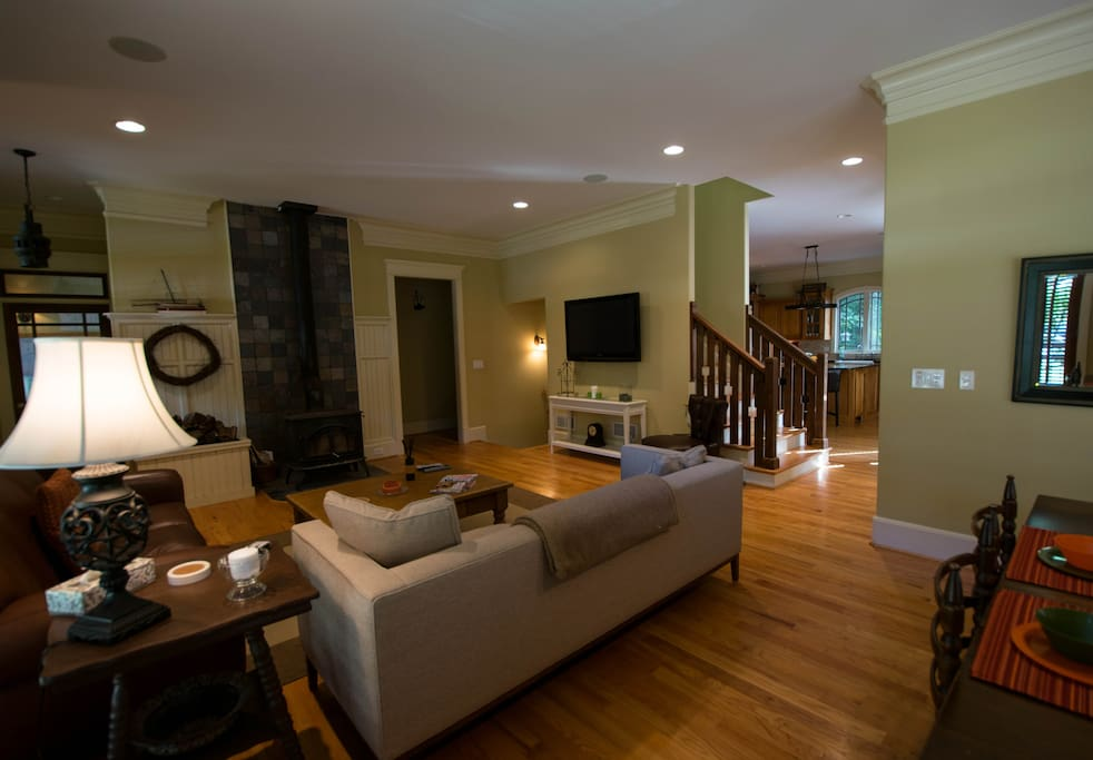 The open floor plan provides the perfect flow for relaxing with family/ friends.