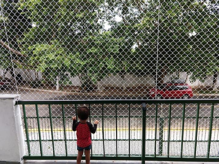 Apto 8 pessoas, Guarujá, Tortuga, com varanda.