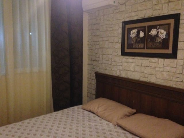 Гостиничный номер (4) с видом на море и горы - Batumi