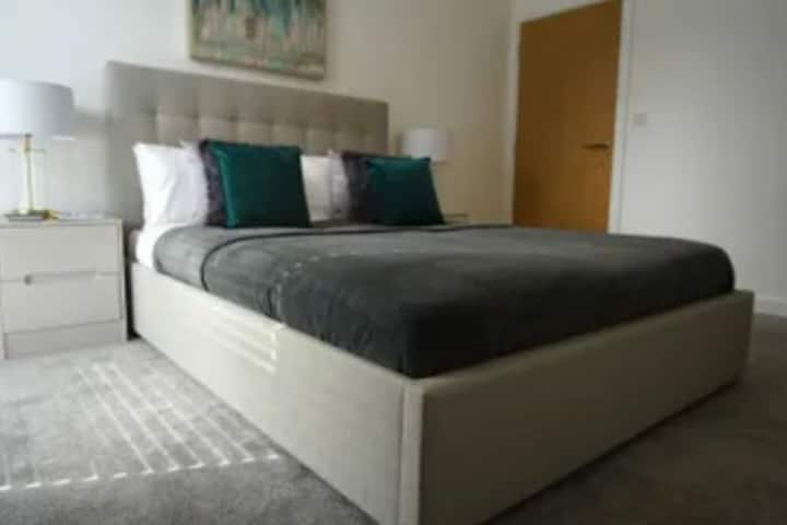 1 room with a double bed, shared facilities