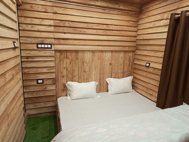 Wooden rooms, peaceful and hygienic
