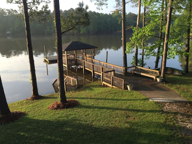 Dock and floating dock